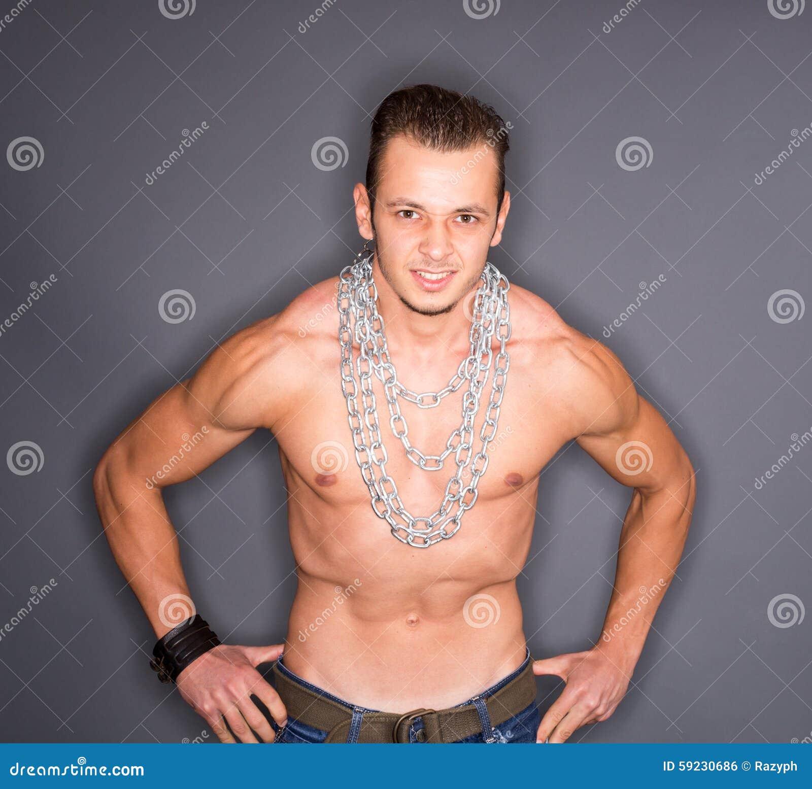 Download Hombre Con Los Músculos Bombeados Foto de archivo - Imagen de formado, hombre: 59230686