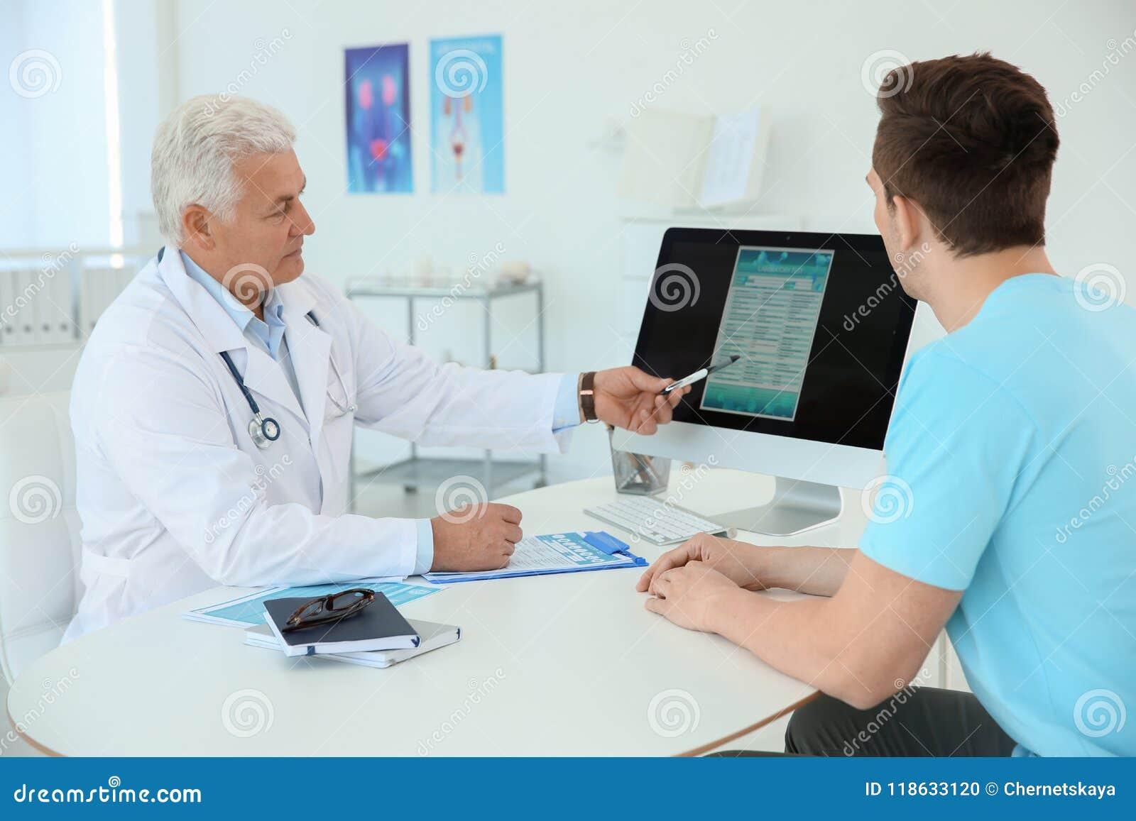 visita al urologo hombre