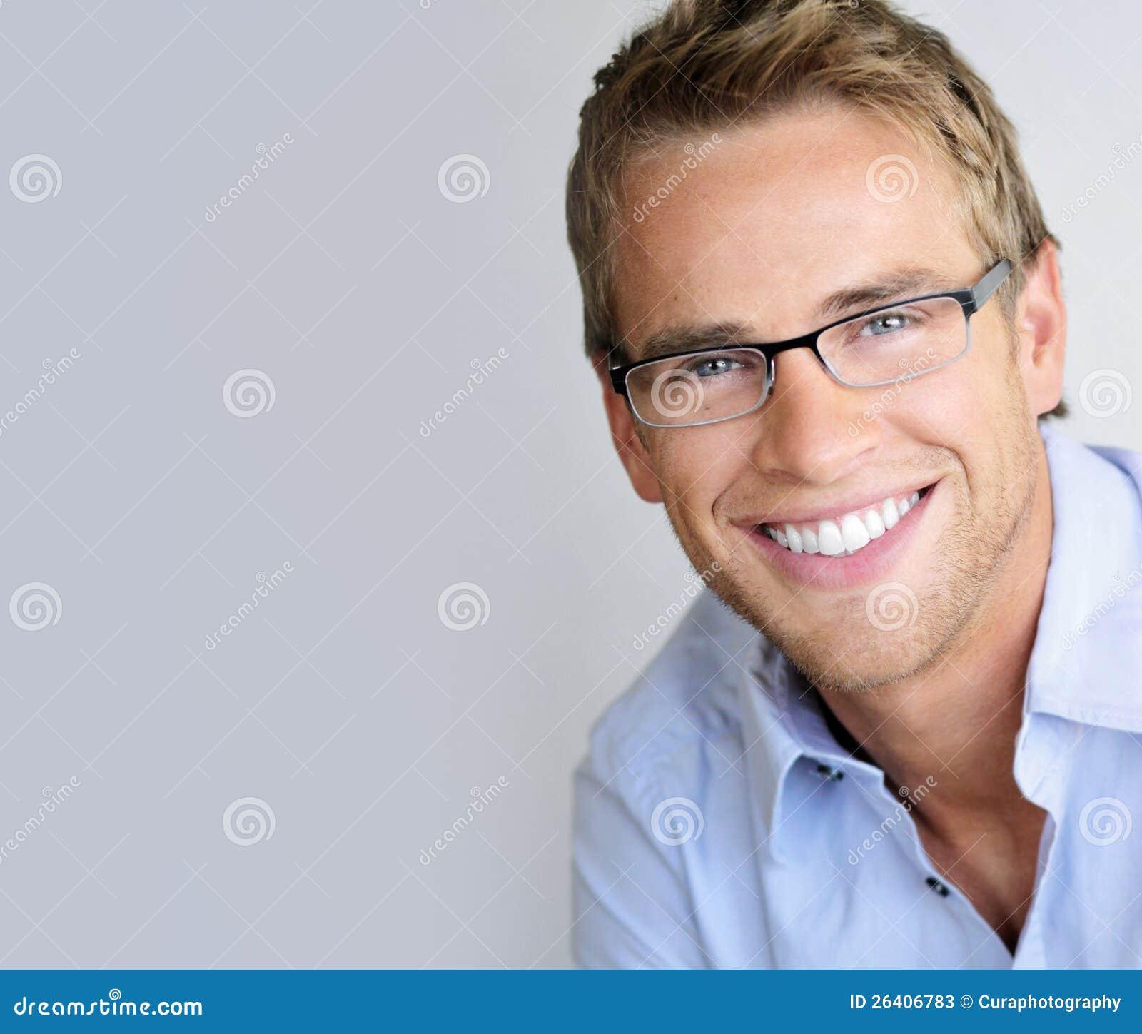 Hombre de las lentes