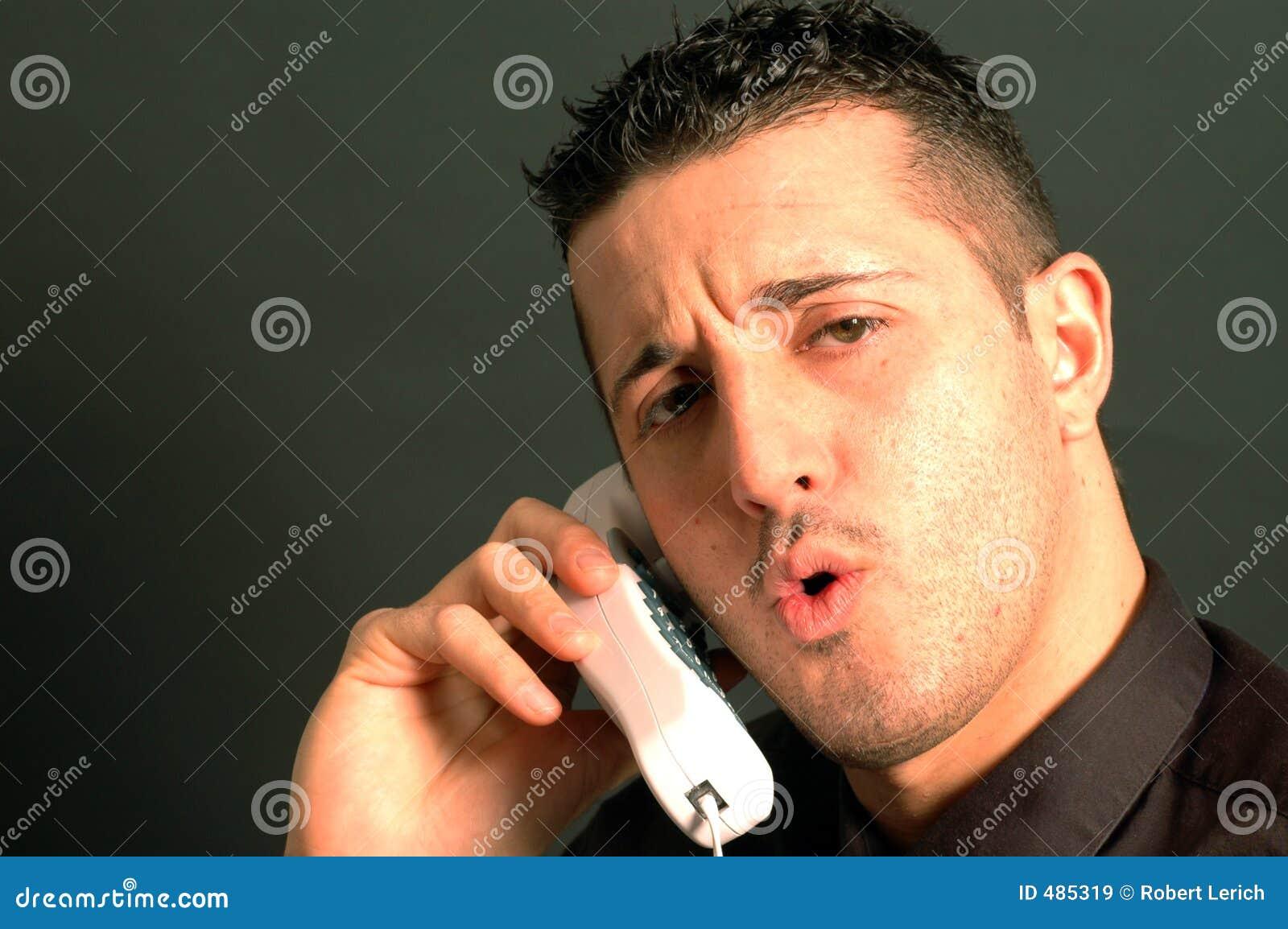Hombre de negocios en el teléfono 2435