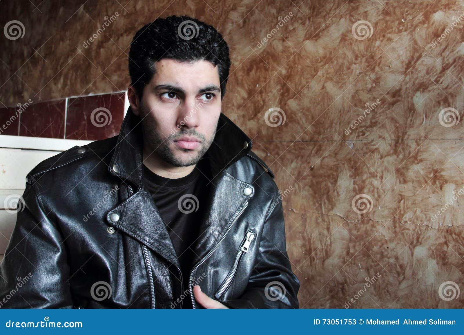 Hombre De Negocios Joven árabe Triste En Chaqueta Imagen de