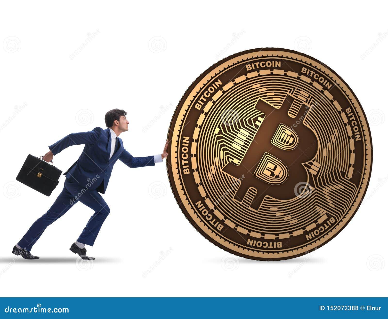 Hombre de negocios que empuja el bitcoin en concepto del blockchain del cryptocurrency
