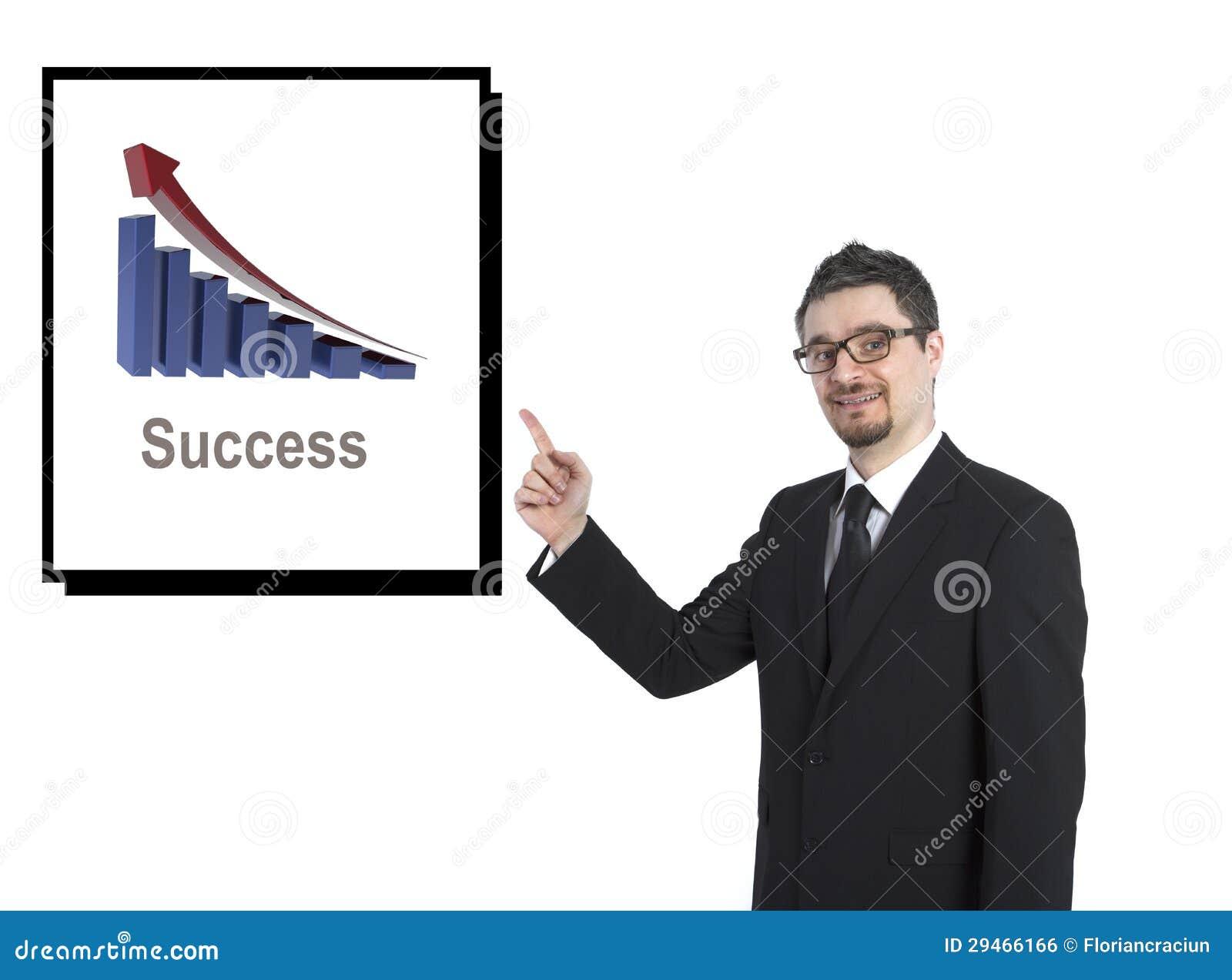 Hombre de negocios que muestra el gráfico del éxito
