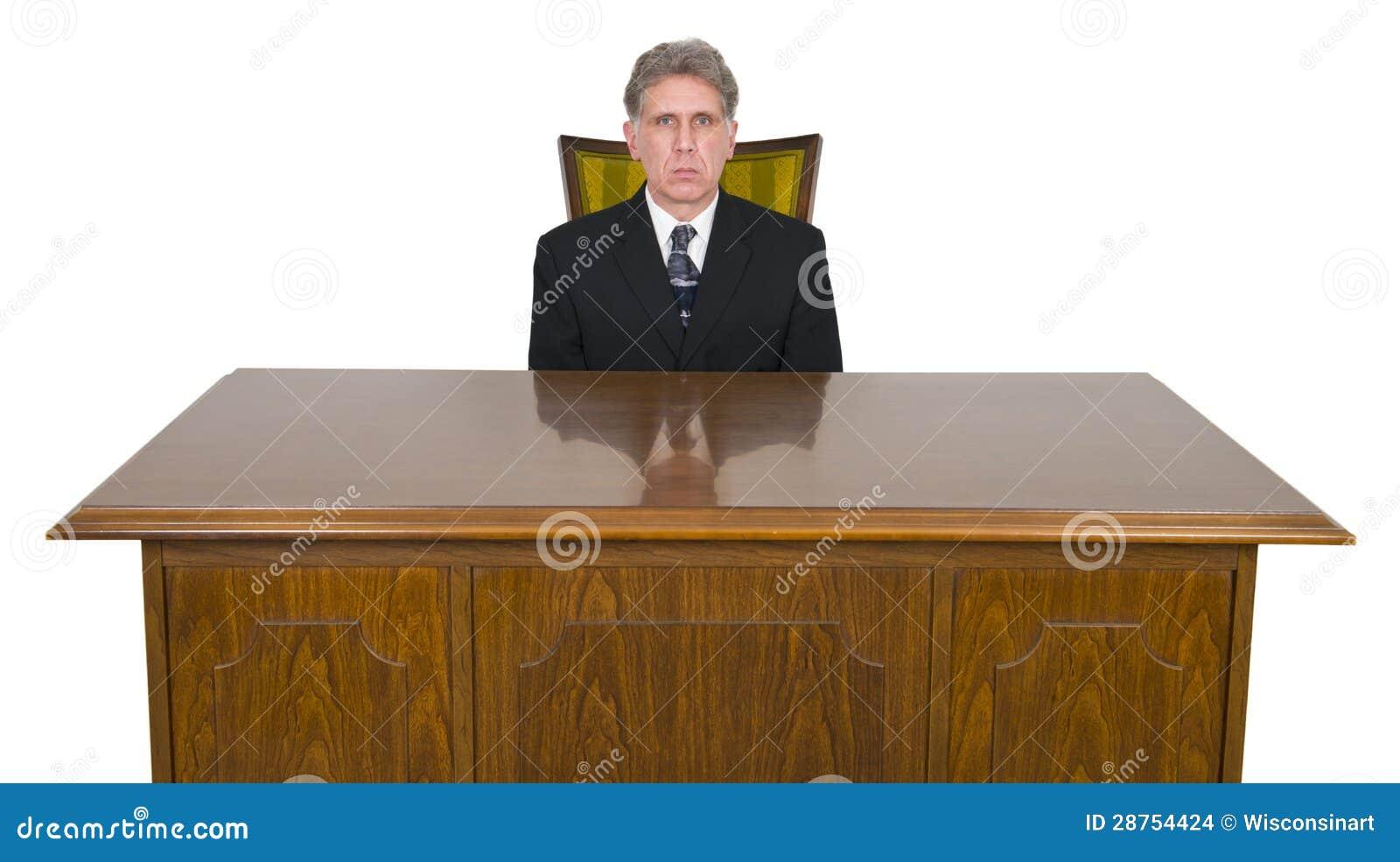Hombre de negocios serio escritorio de oficina silla for Sillas para oficina office max