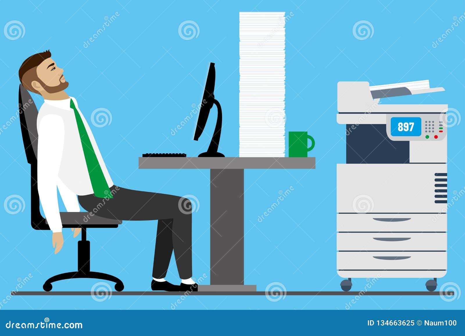 Hombre de negocios u oficinista caucásico con exceso de trabajo y cansado
