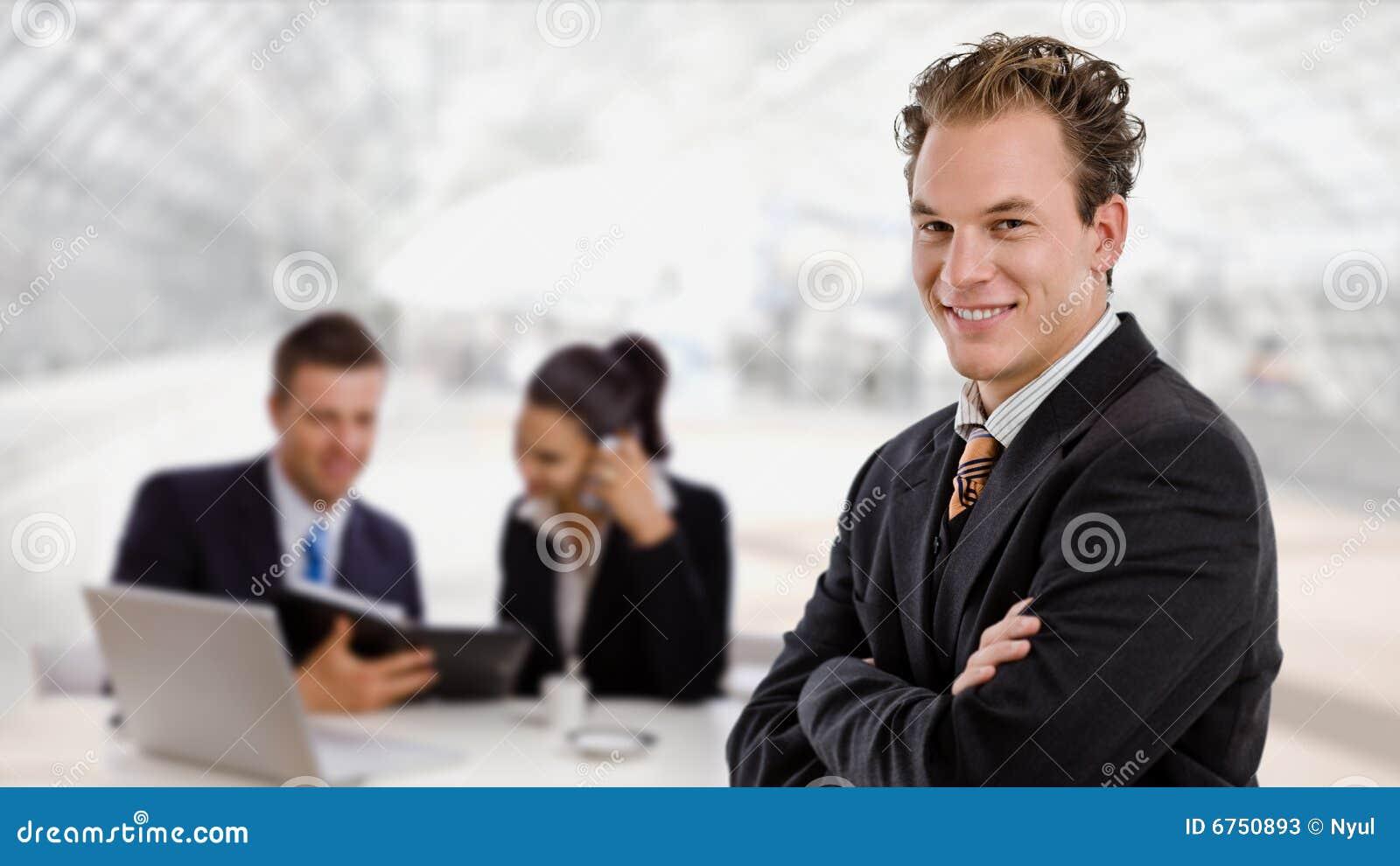 Hombre de negocios y personas del asunto
