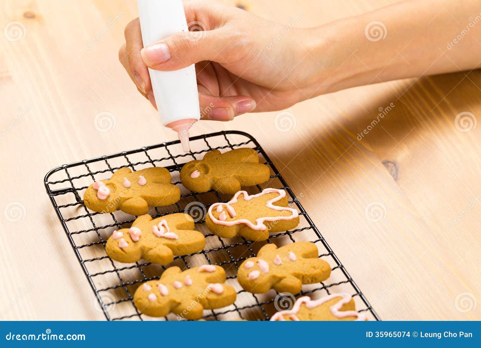 Hombre de pan de jengibre hecho en casa