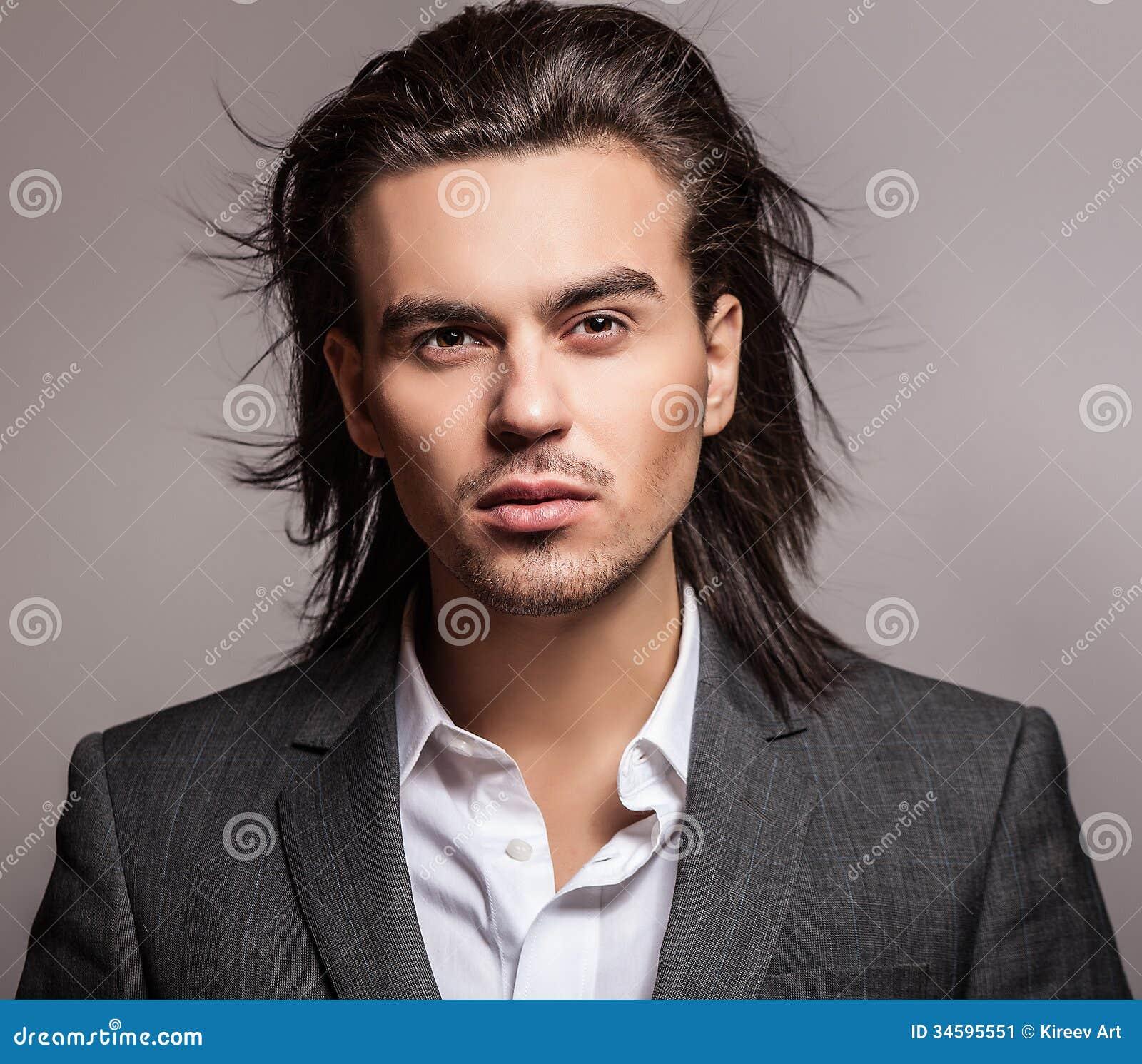 Cabello hermoso de hombres