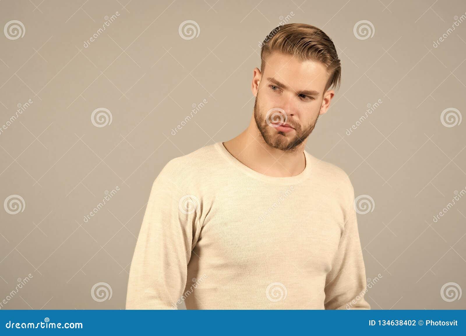 Hombre En La Camiseta De Moda Moda Hombre Con La Cara