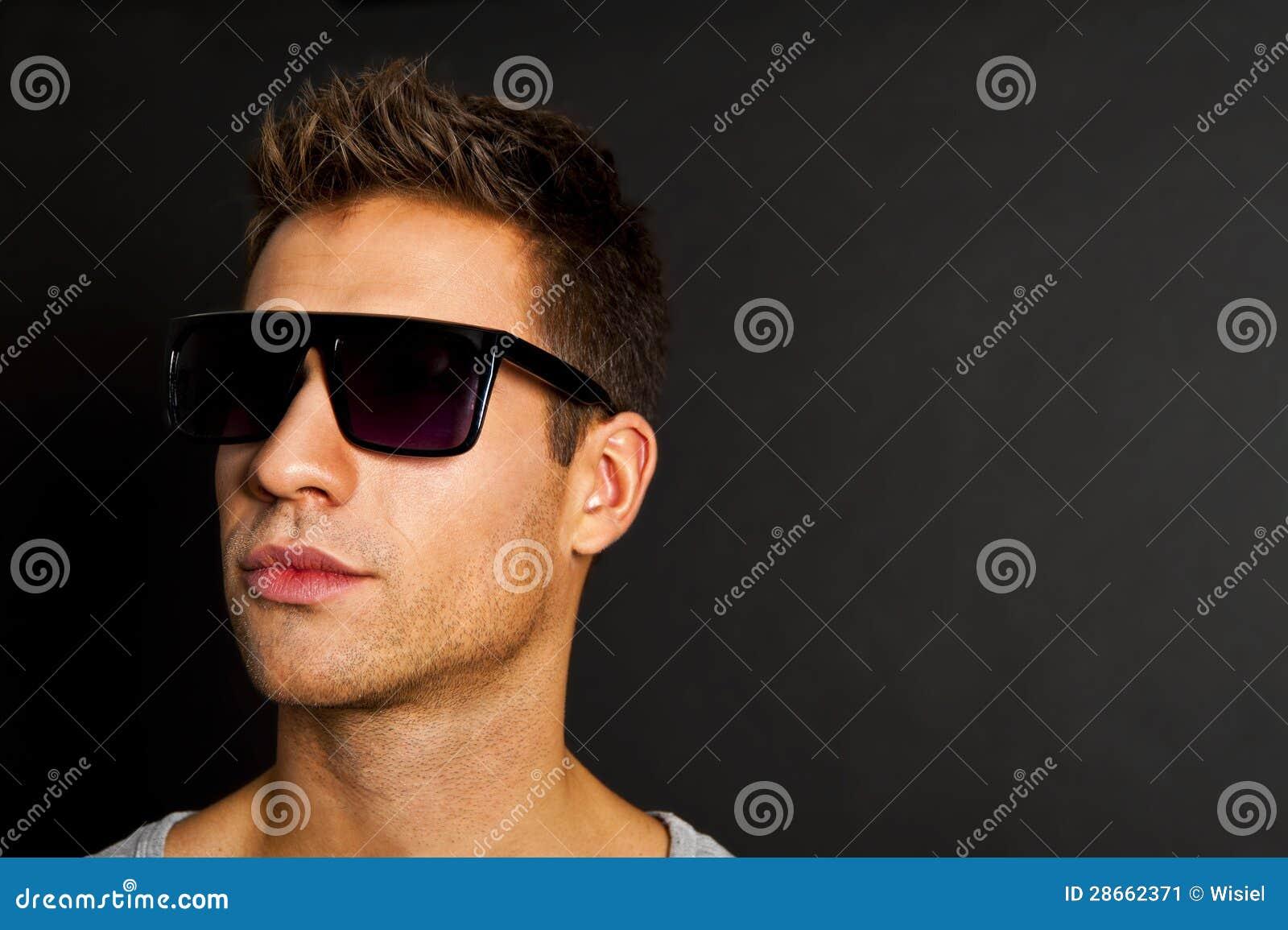 Grises Hermoso En Sin Y Las Sonrisa Hombre Con Mangas Camisetas q34ALc5jR