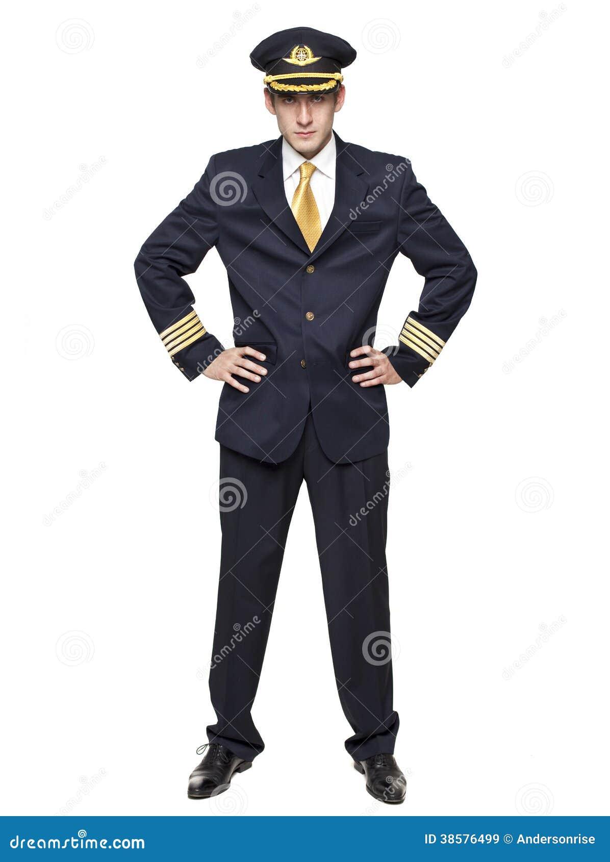 Hombre joven bajo la forma de piloto del avión de pasajeros