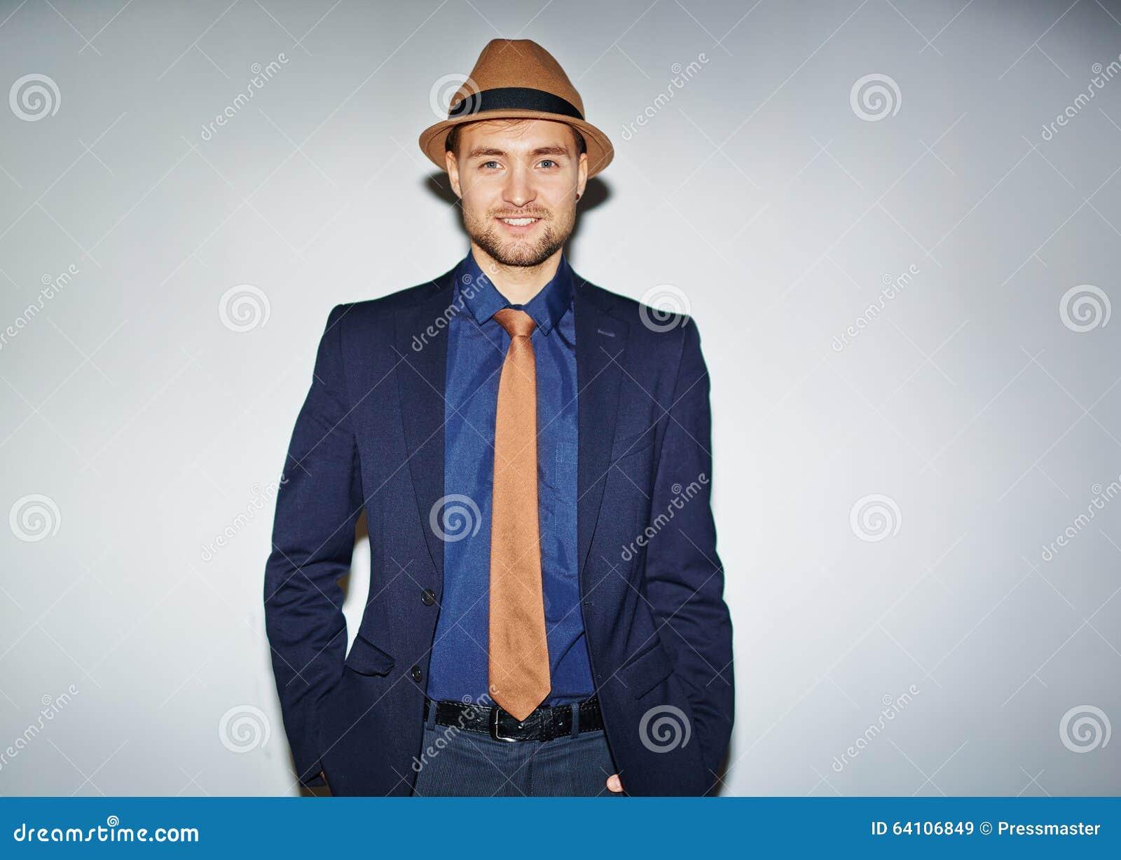 Hombre Joven Bien Vestido Imagen De Archivo Imagen De Gente