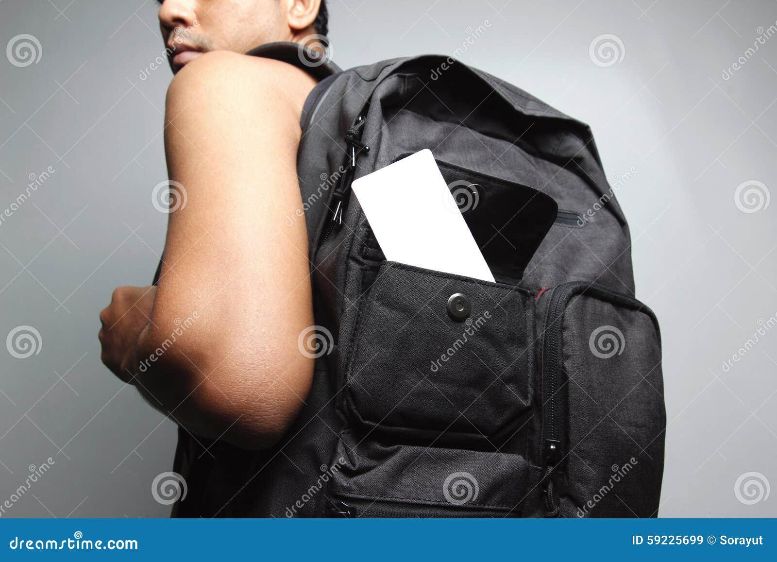 Download Hombre Joven Con La Mochila Imagen de archivo - Imagen de varón, backpacker: 59225699