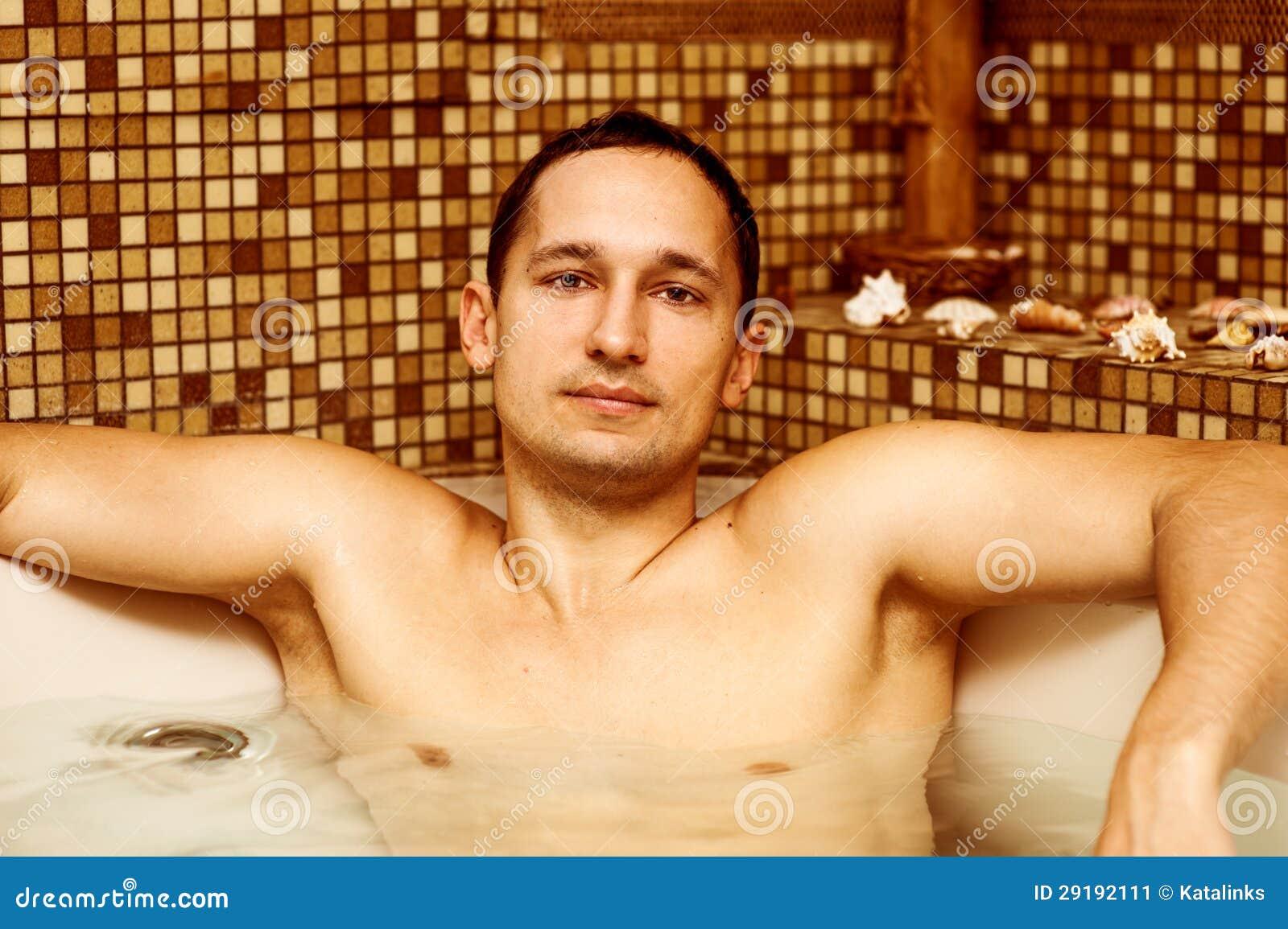 Imagen De Baño Hombre:Hombre Joven En Cuarto De Baño Imagen de archivo – Imagen: 29192111