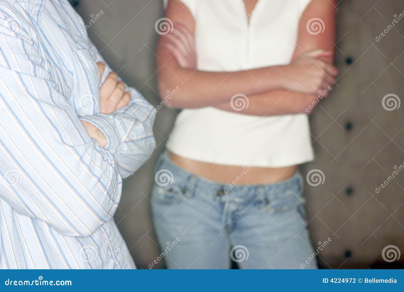 Hombre joven y mujer joven