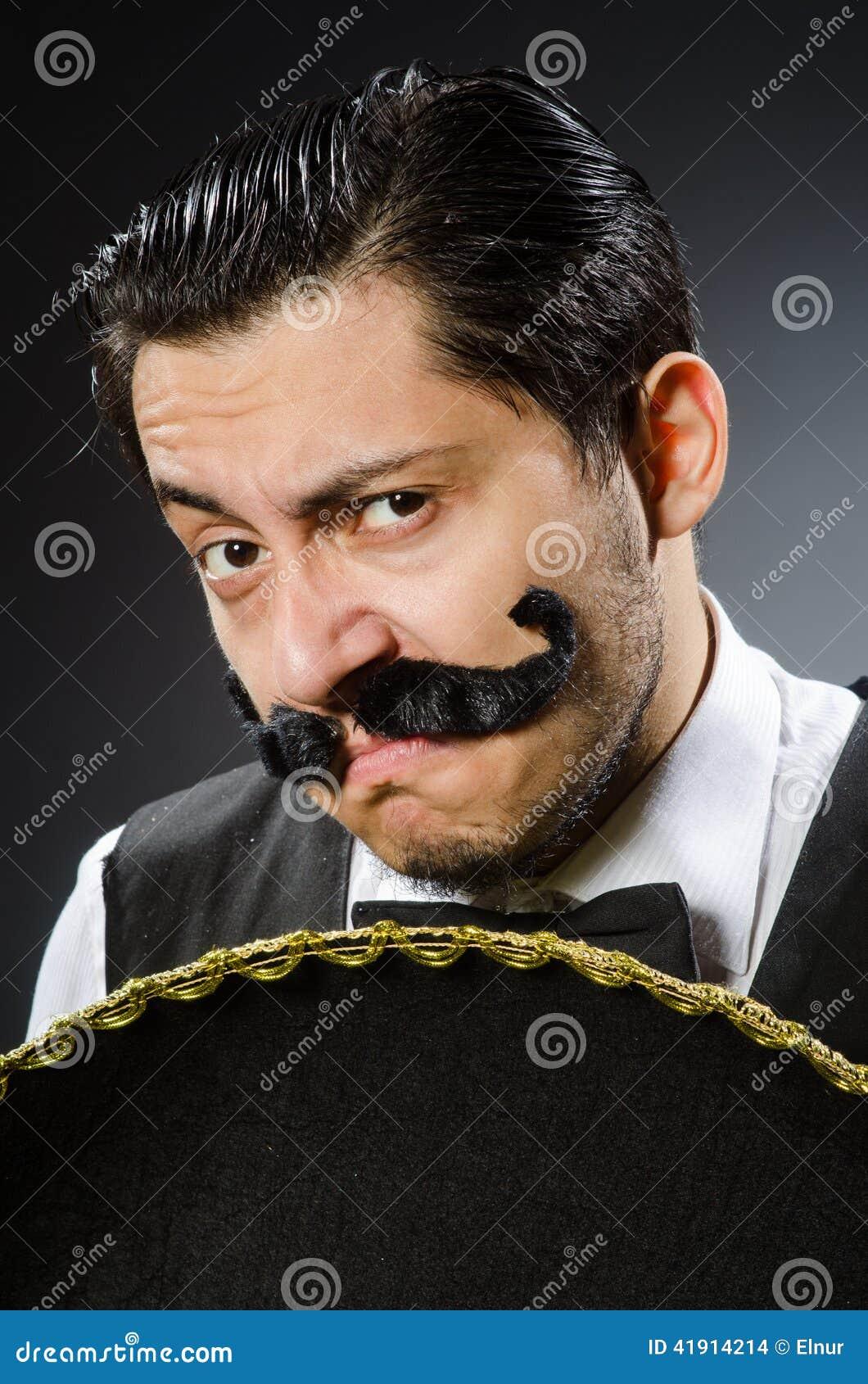 Hombre mexicano en divertido