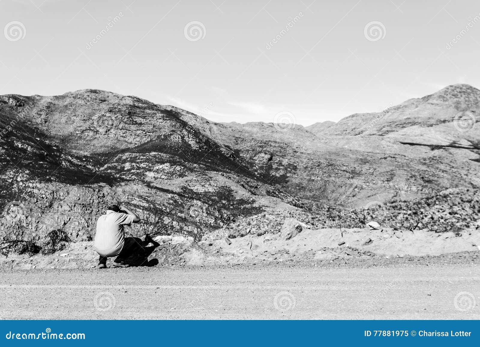 Hombre Perdido En El Paso De Swartberg Imagen editorial