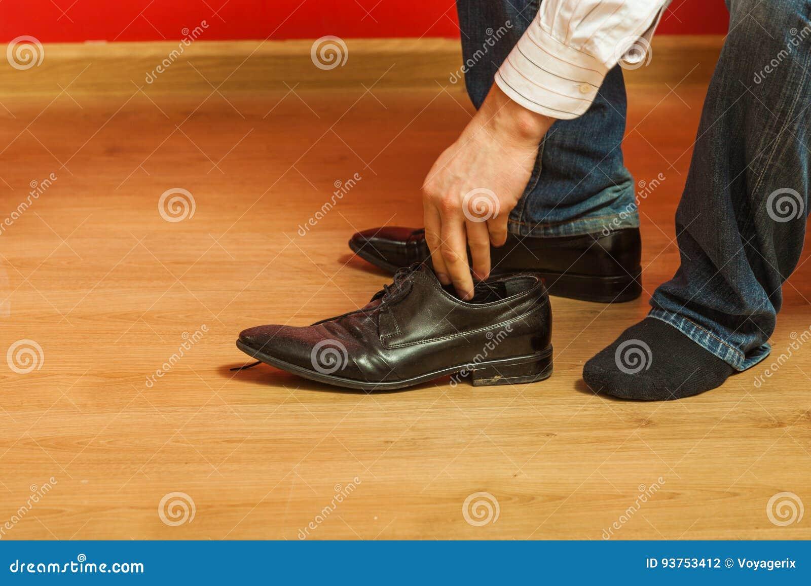 De Hombre Foto Que Negros Los Elegantes Archivo Lleva Zapatos rp0frq