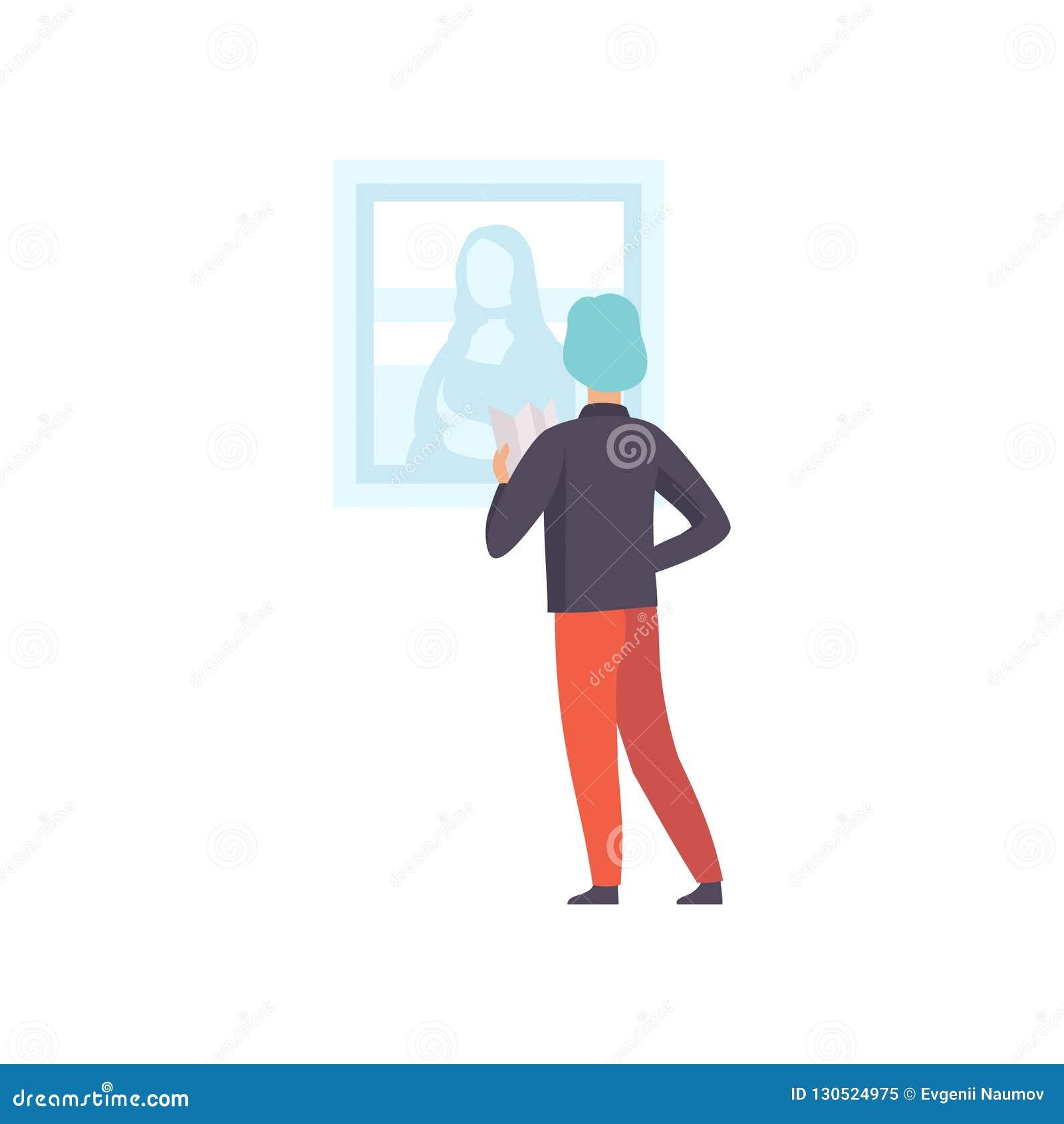 Hombre que mira la pintura que cuelga en la pared, objeto expuesto masculino de Mona Lisa del museo de la visión del visitante de