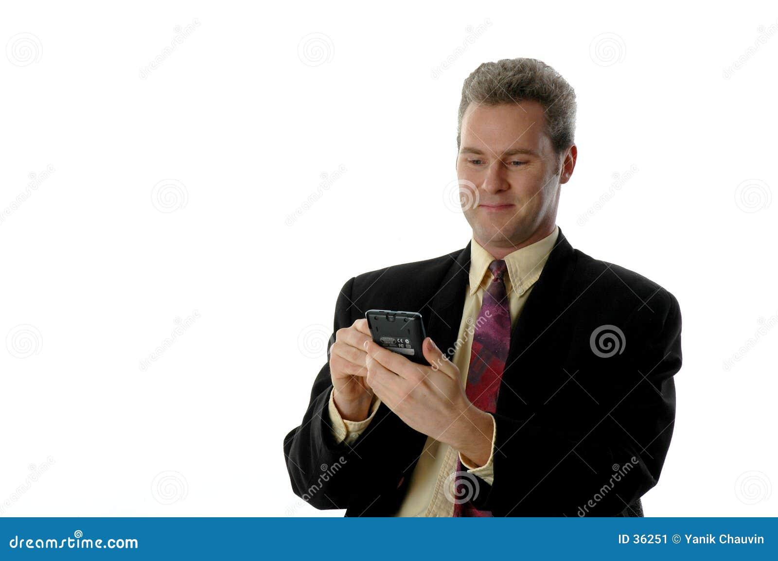 Hombre sonriente de PDA