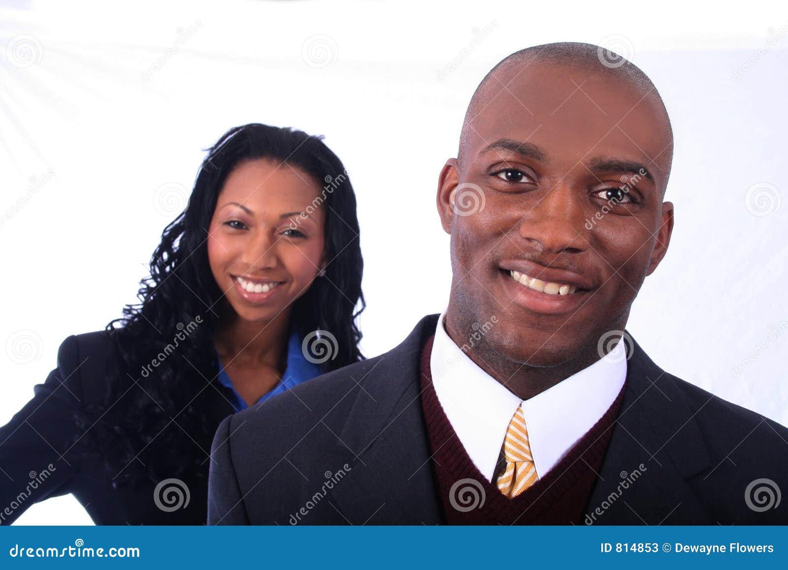 Hombres de negocios del afroamericano