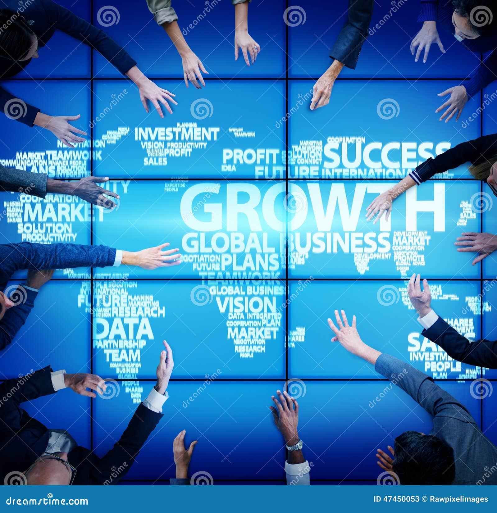 Hombres de negocios globales de la reunión del concepto global del crecimiento