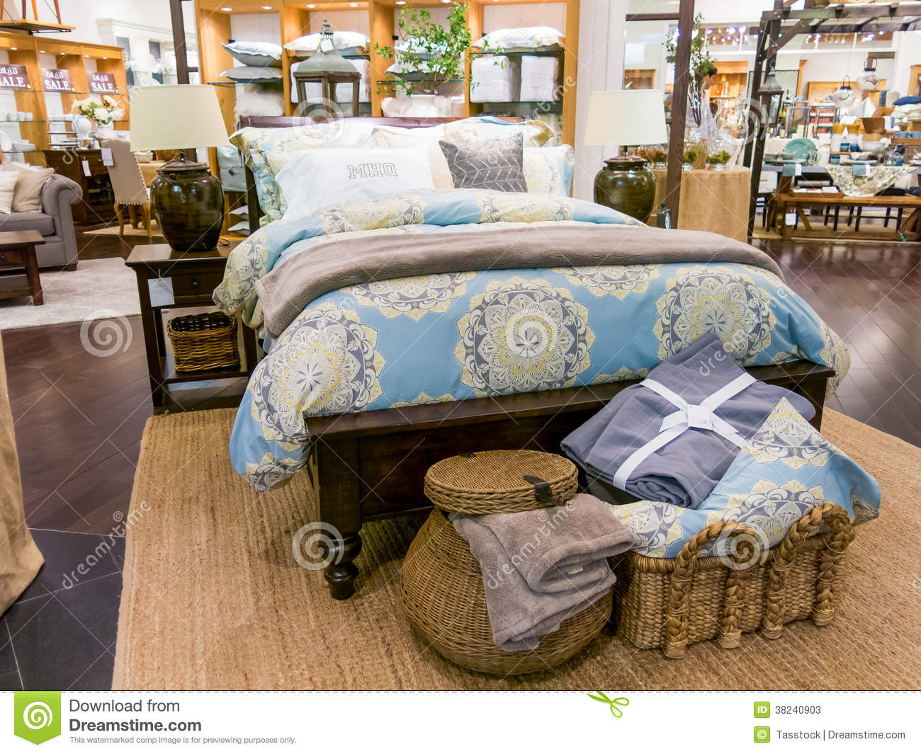 home decor store in dubai mall editorial stock photo image 38240903. Black Bedroom Furniture Sets. Home Design Ideas