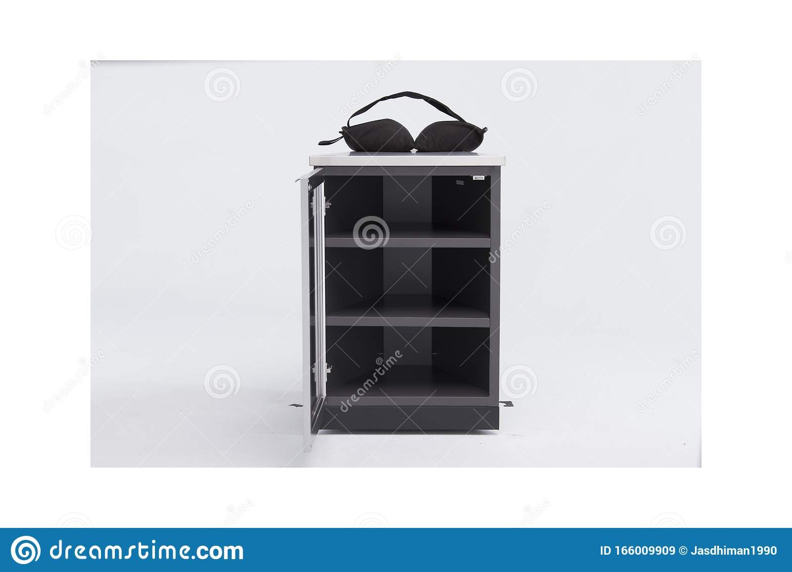 The Home Depot Canada 4 Piece Aluminum Outdoor Kitchen In Slate With Covers Outdoor Kitchen Aluminum 32 Inch Triple Drawer Stock Image Image Of Handle File 166009909