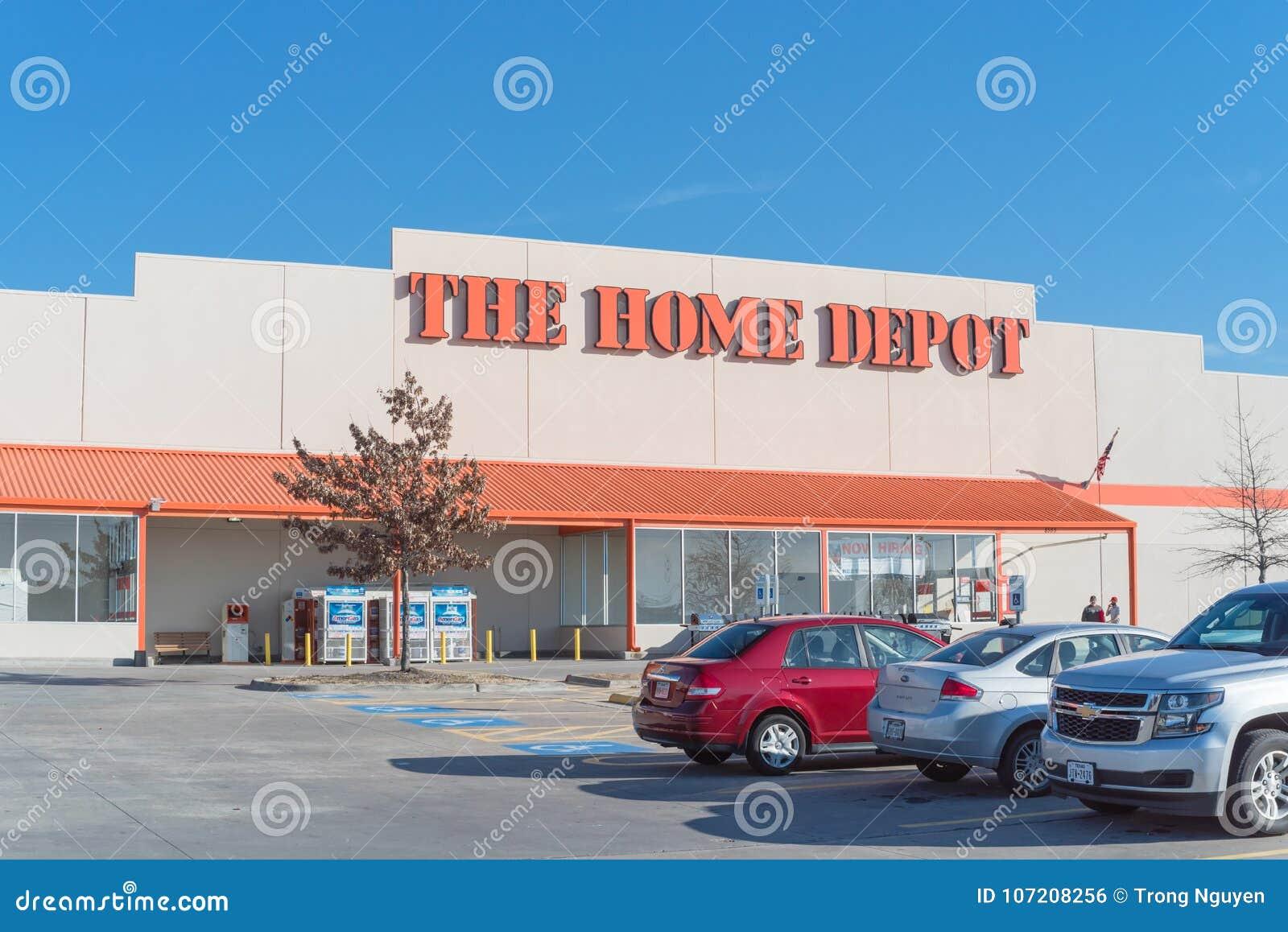Home Depot Reissen Irving Texas Hin Redaktionelles Foto Bild Von