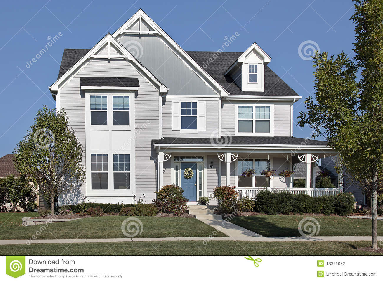 home with front porch and blue door stock photography image 13321032. Black Bedroom Furniture Sets. Home Design Ideas