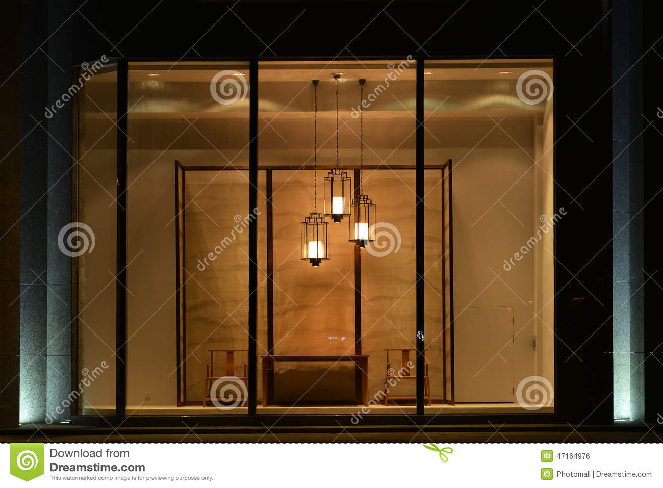 Home Furnishing Shop Display Window With Led Chandelier
