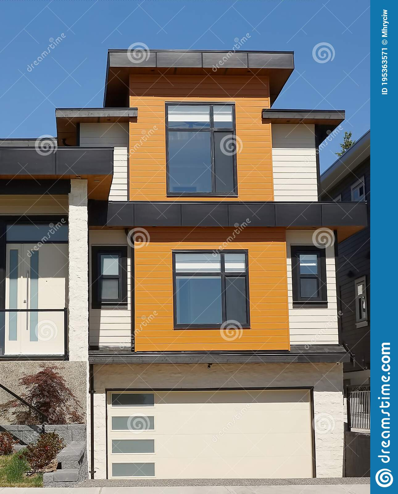 10 599 Flat Roof House Photos Free Royalty Free Stock Photos From Dreamstime