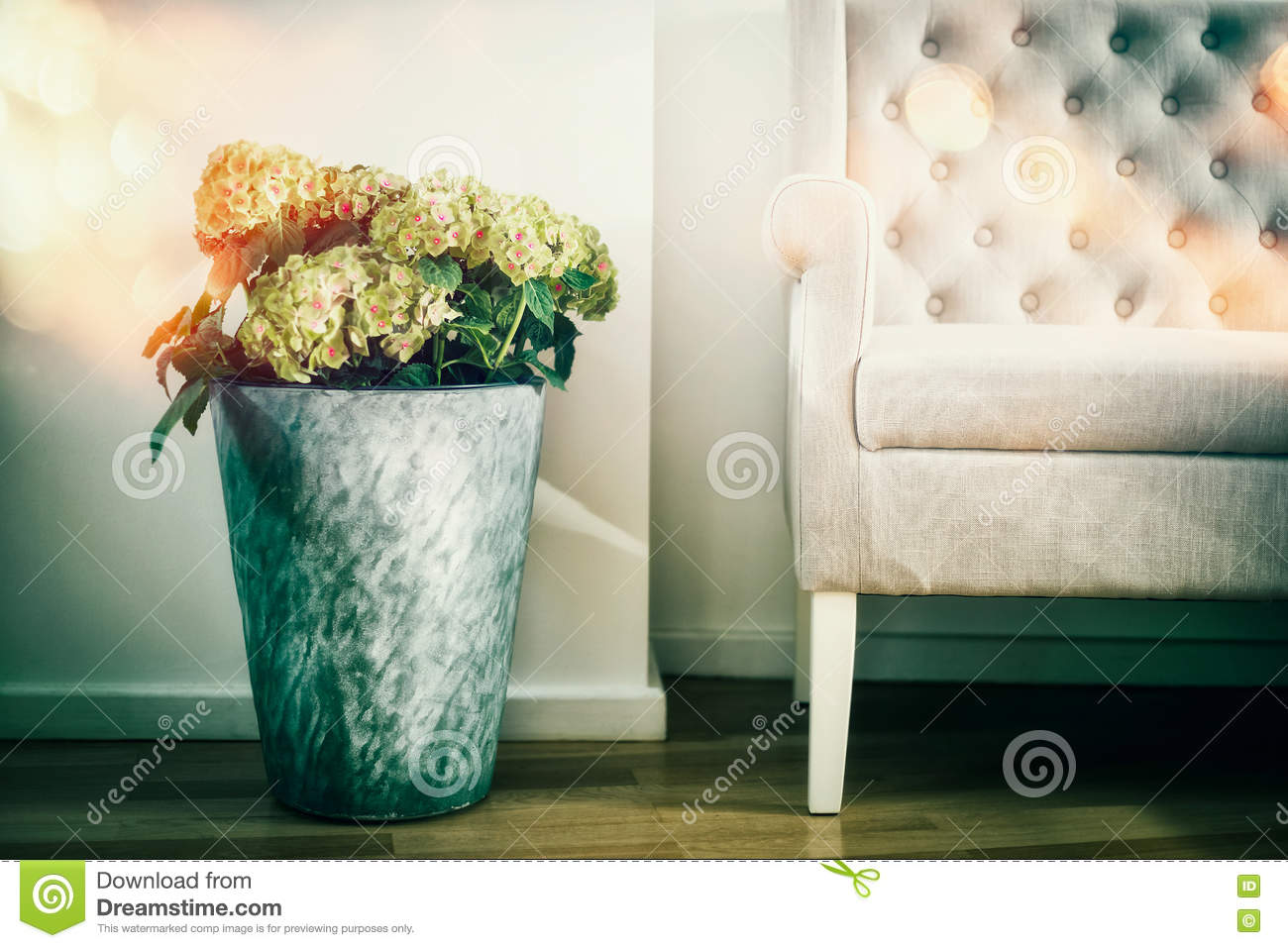 Sensational Home Interior Decoration With Flowers Floor Vase And White Gamerscity Chair Design For Home Gamerscityorg