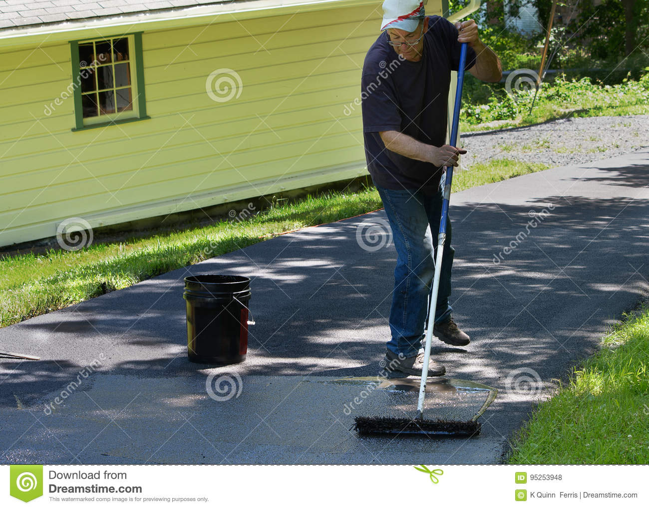 Home maintenance do it yourself driveway resealing stock photo do it yourself driveway resealing stock photo image of asphalt solutioingenieria Gallery