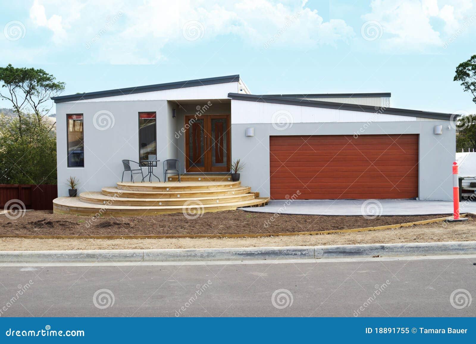 HOME moderna