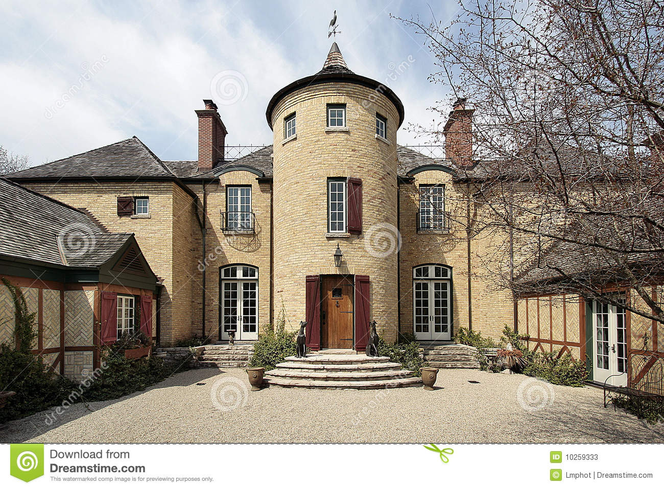 Luxury stone home with turret royalty free stock for Case con torrette