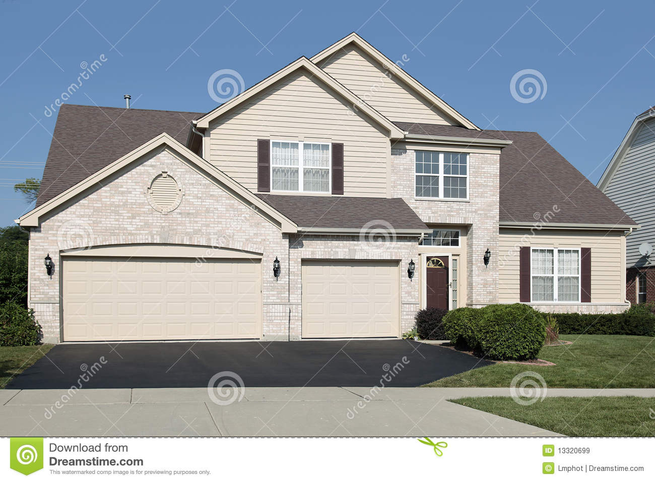 Home with three car garage royalty free stock images for 3 car garage homes
