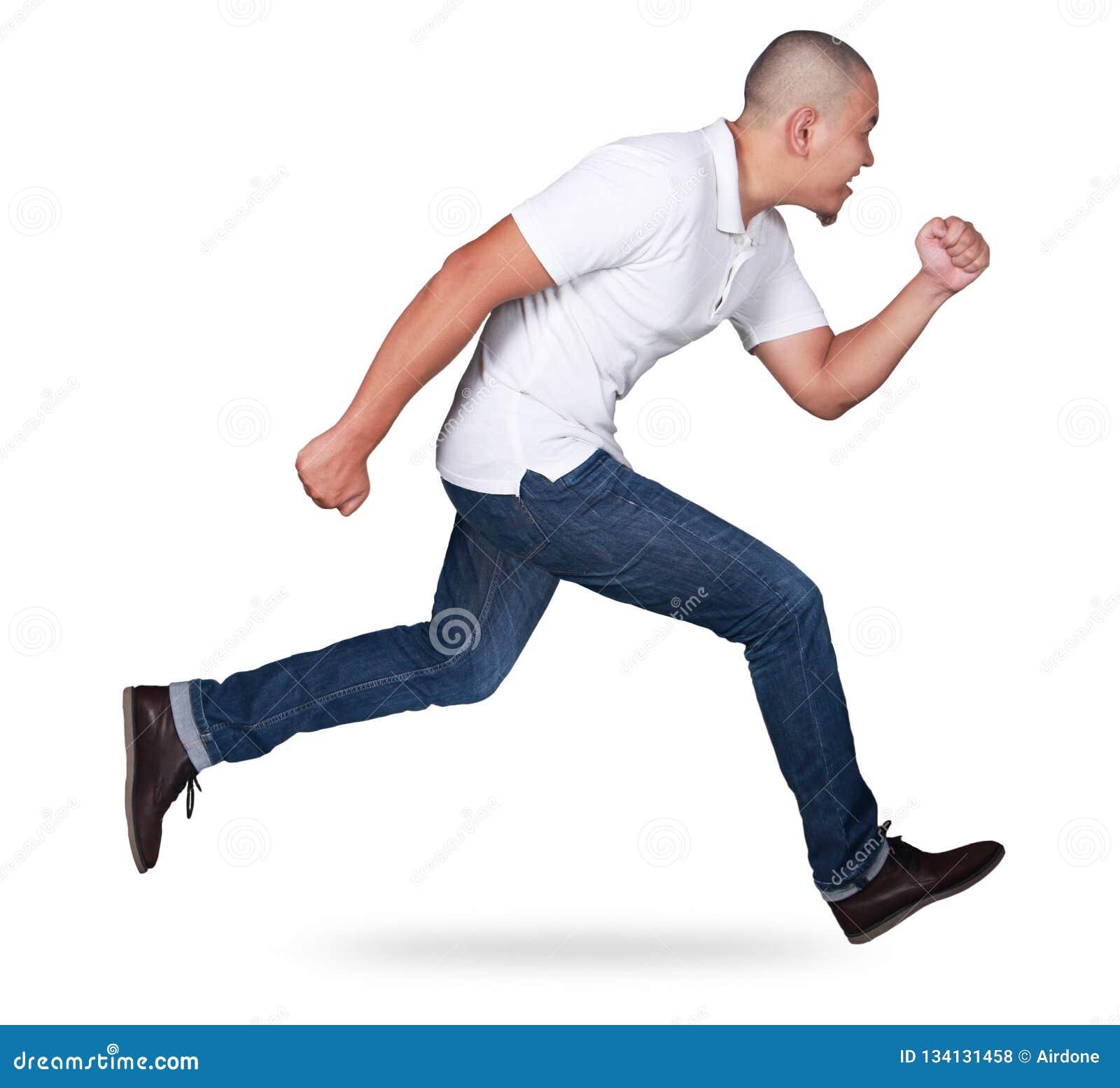 Homem calvo que corre rapidamente