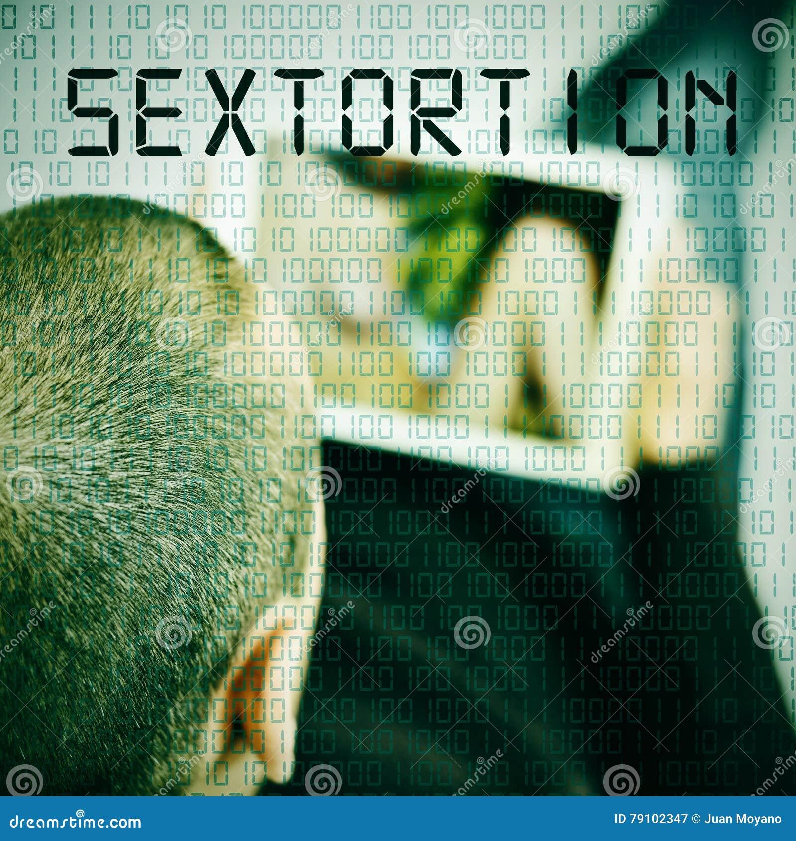 Homem com o sextortion da tabuleta e do texto