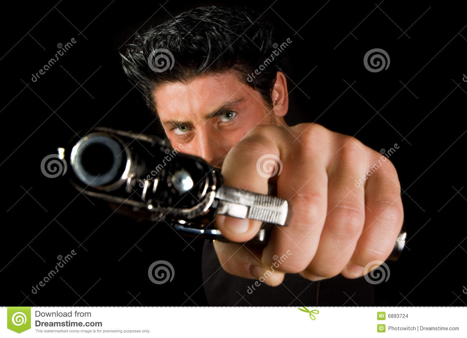 Homem com revólver