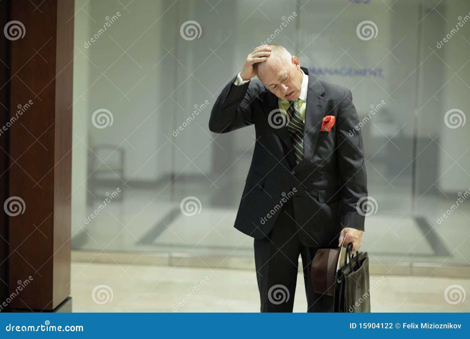 Homem de negócios despedido