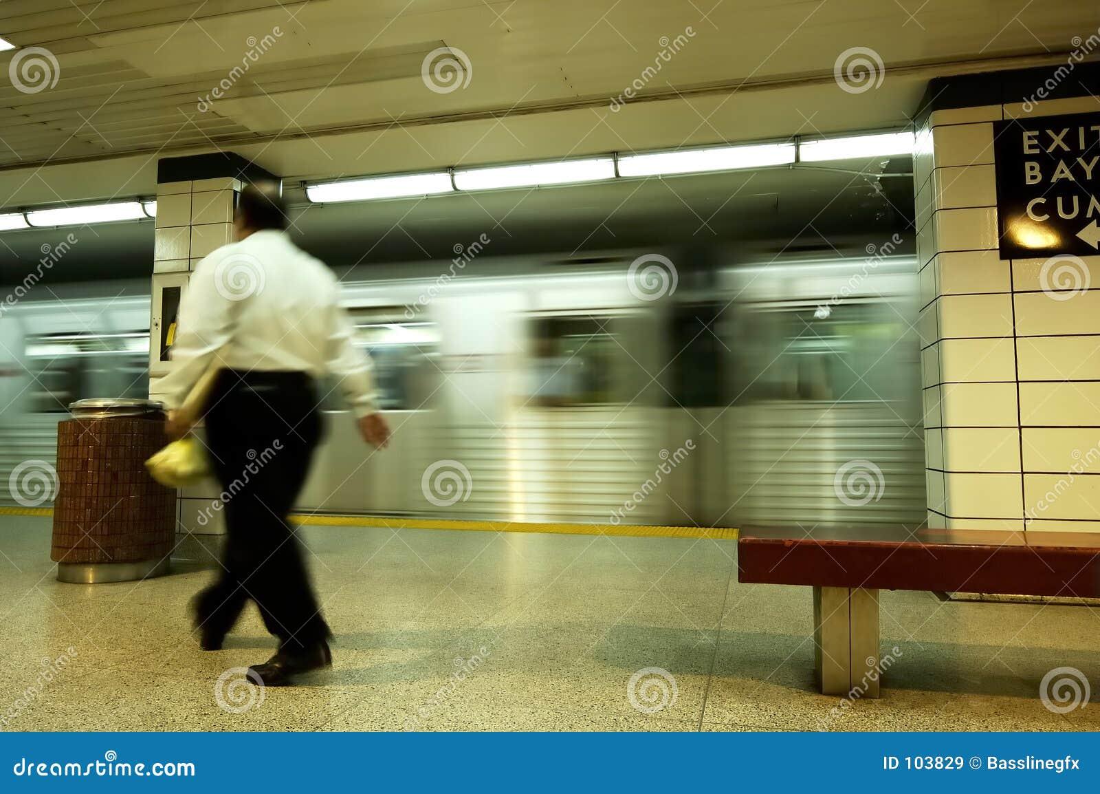 Homem de negócios do metro