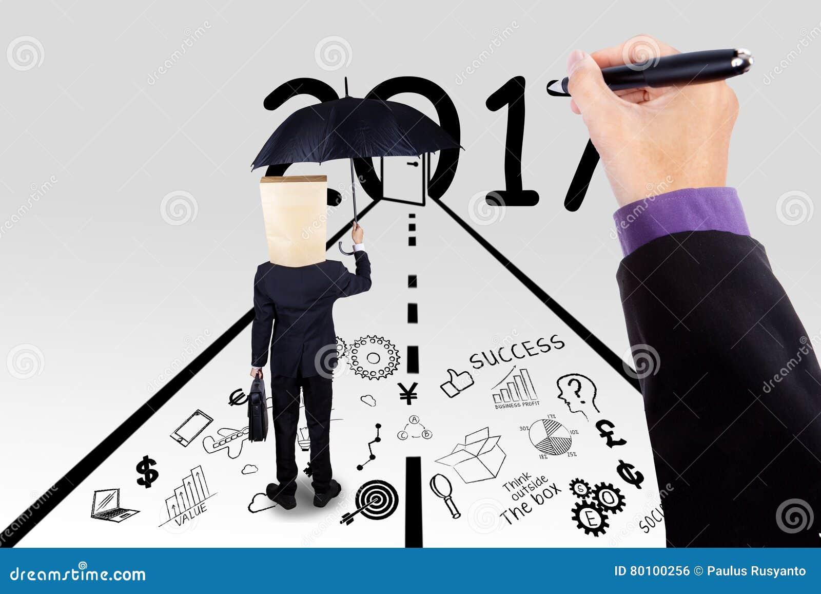 Homem de negócios e mão do chefe que fazem o bom futuro