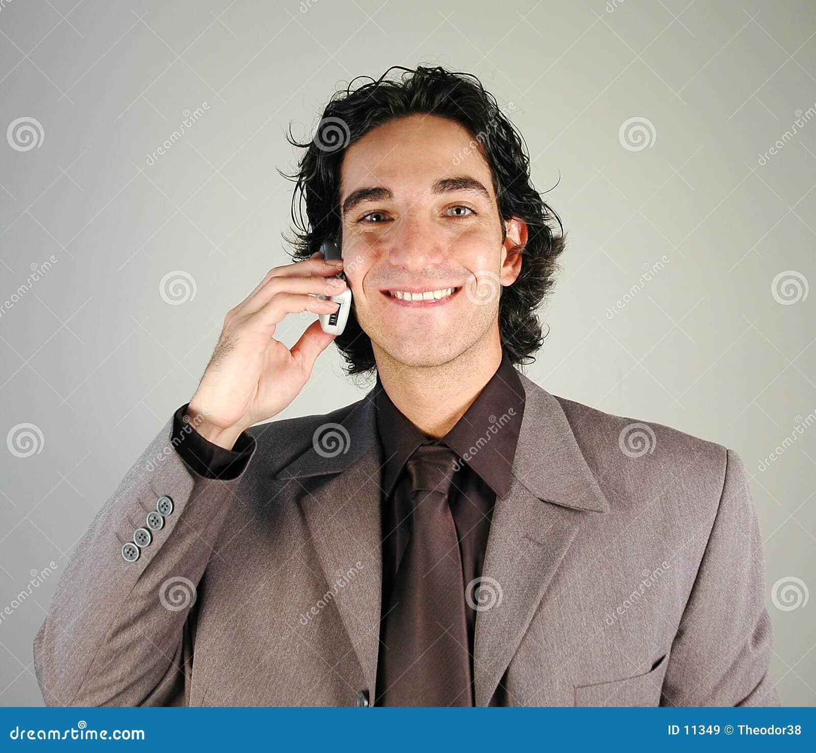 Homem de negócios e telemóvel