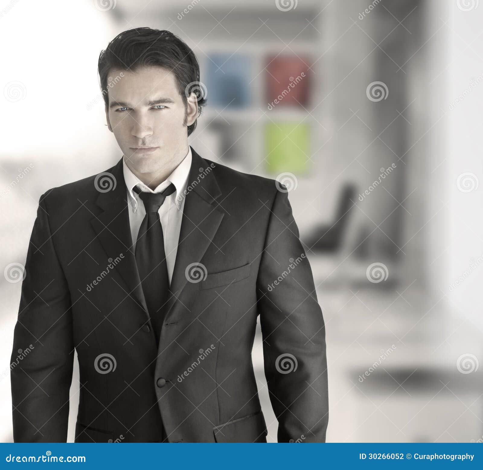 Homem de negócio bem sucedido  sexy