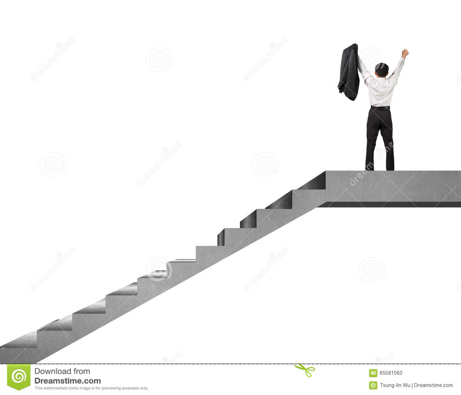 Homem de negócios que cheering sobre as escadas concretas isoladas no branco