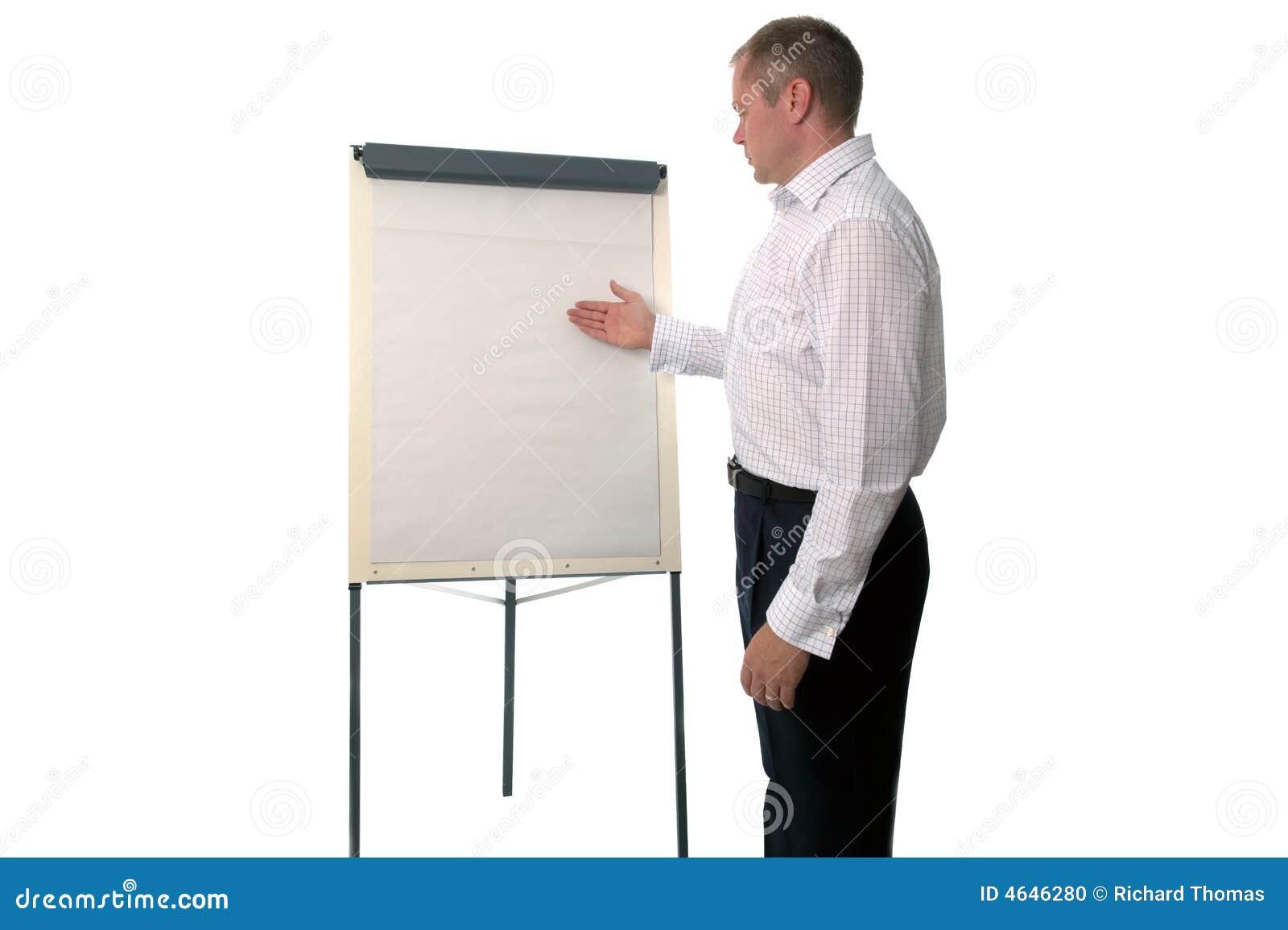 Homem de negócios que usa uma carta de aleta