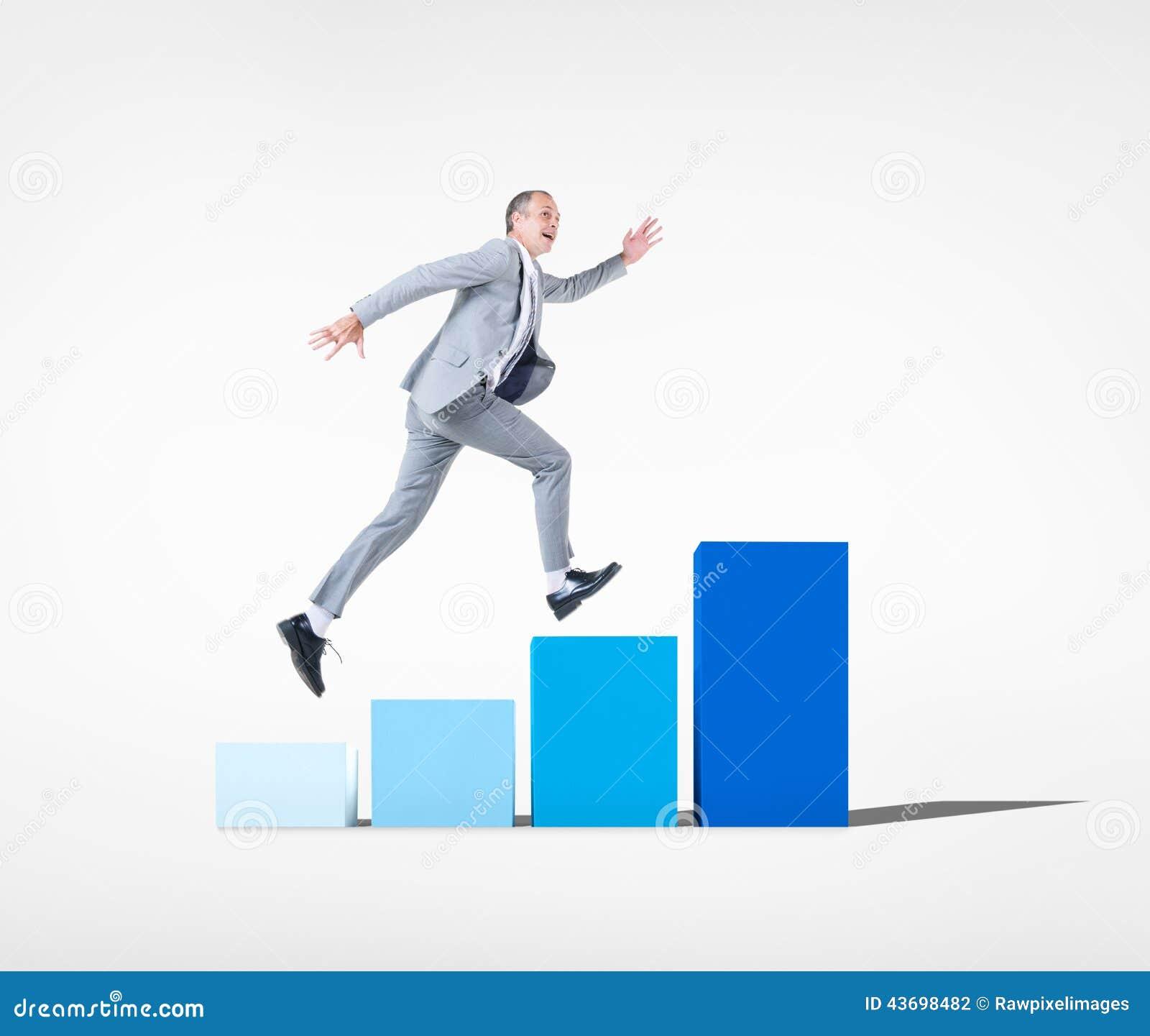 Homem de negócios Running no gráfico à parte superior