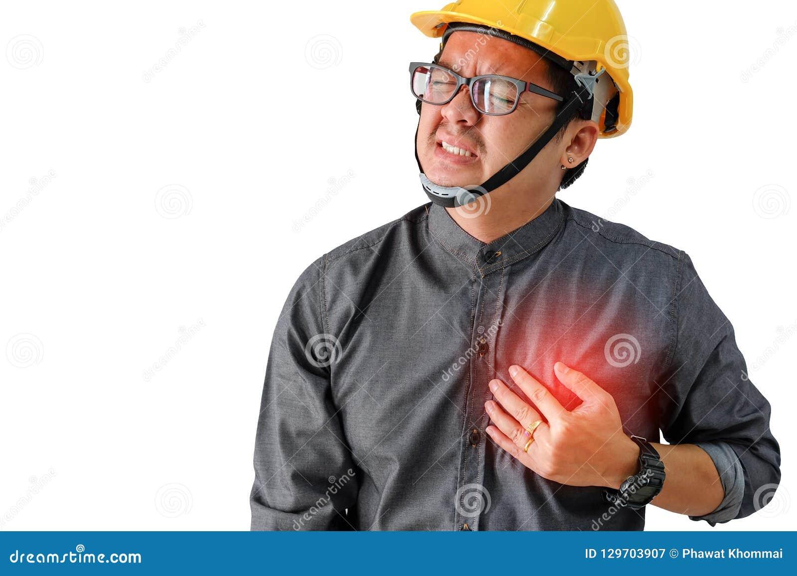 Homem dos coordenadores com sintomas da doença cardíaca
