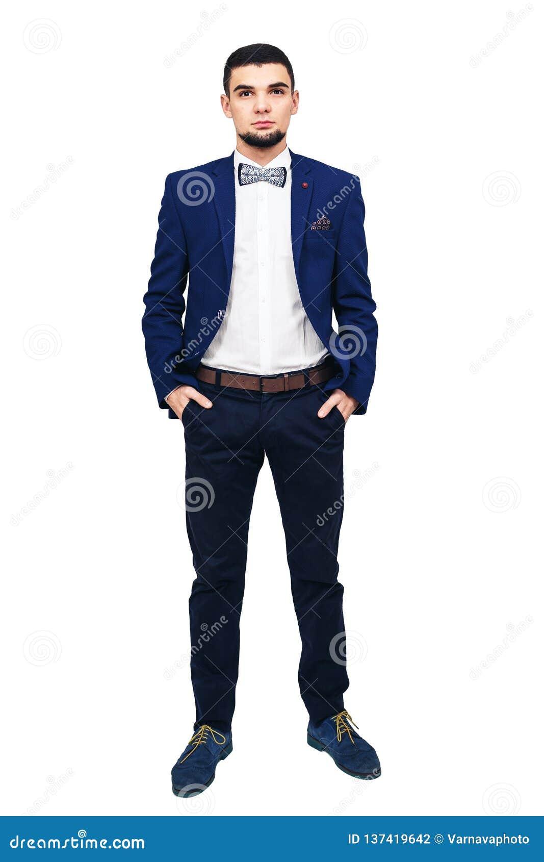 Homem elegante novo em um terno azul, homem de negócios bem sucedido seguro ou empresário